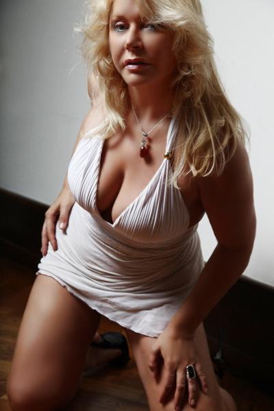 Sylvia Ambers, massage tantrique naturiste à Nice